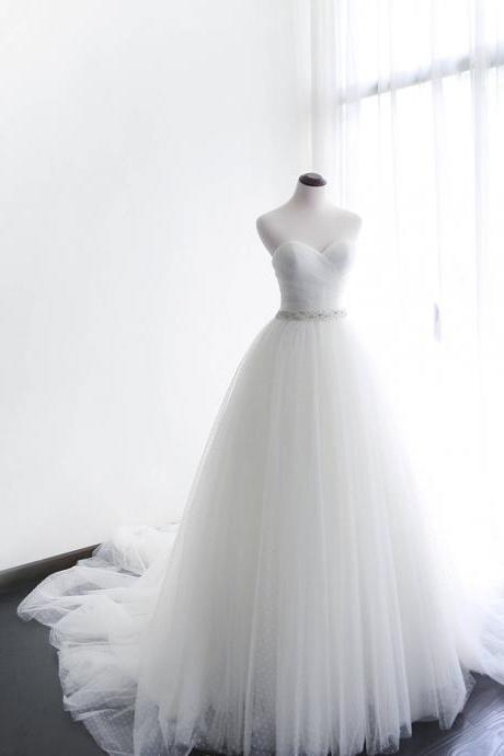 Tulle A-line Wedding Dress,Wedding Dresses,Wedding Dress,Wedding Gown,Bridal Gown,Bride Dresses, Sweetheart Wedding Dress,Ivory Bridal Dress,Long Wedding Gown,Dot Tulle Wedding Dress,Wedding Dress With Jacket ,Customized Made Bride Dresses,Plus Size Bridal Gowns